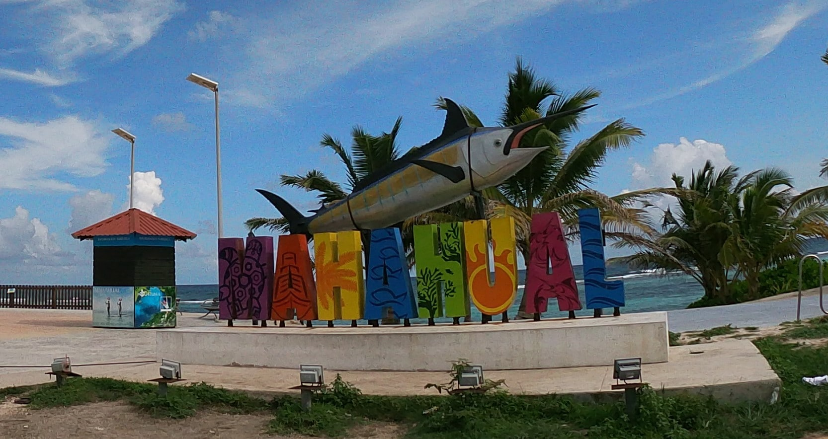 Excursions Costa Maya: The fishing village of Mahahual and amazing Mayan ruins