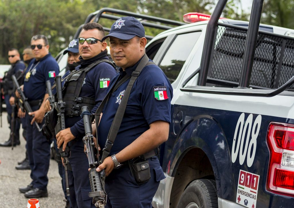Driving in Mexico: Police
